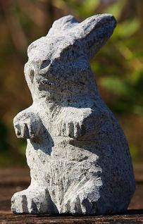 Steinfigur Hase, Tierfigur aus Granit, Meister Lampe, Kaninchen