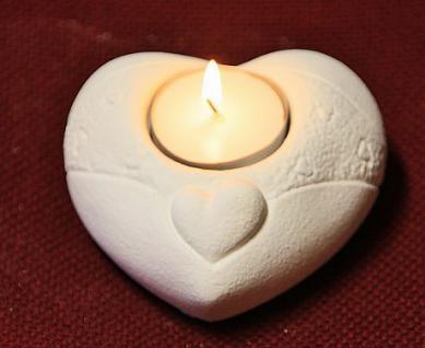 Steinfigur Licht Herz, Figur aus Steinguss, für ein Teelicht geeignet