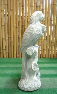 Steinfigur Papagei auf einem Baumstamm sitzend, 90 cm hoch!, Figur aus Steinguss Papageien Vogel Vögel - Vorschau 3