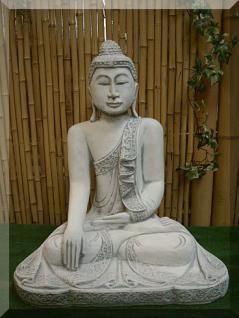Steinfigur Thai Buddha sitzend aus Steinguss