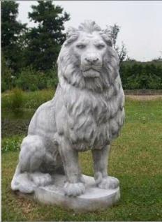 Löwe Lebensgroße Skulptur rechts blickend Löwen