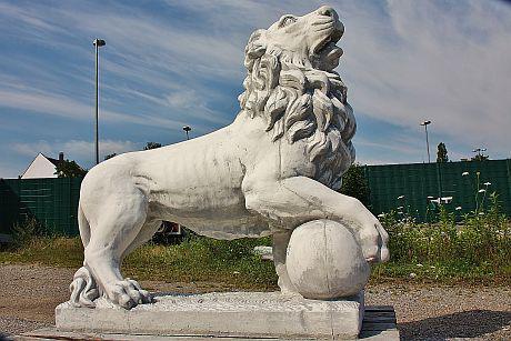 Steinfiguren Löwe Rechts, große Skulptur, Löwen, Raubkatze