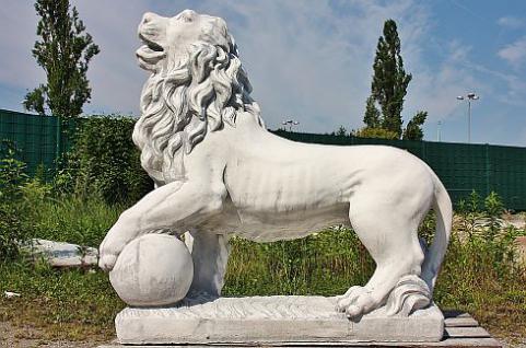 Steinfiguren Löwe Links, große Skulptur, Löwen, Raubkatze