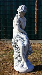 Steinfigur Frau, Skulptur aus Steinguss, 150 cm hoch