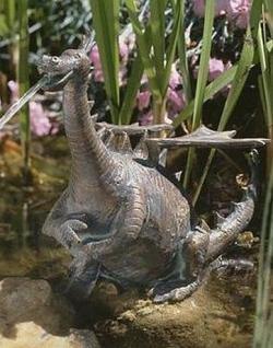 Bronzefigur Wasserspeier Drache Percy, Figur aus Bronze
