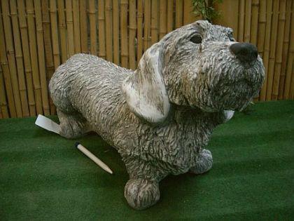 Steinfiguren Rauhaar-Dackel, Hund aus Steinguss Hunde