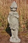 Steinfigur Elfe Lilie, Blumenfee, Skulptur aus Steinguss, patiniert