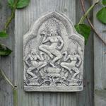 Steinfiguren Wandbild aus Steinguss, patiniert