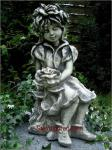 Steinfigur Rosenmädchen, Figur aus Steinguss