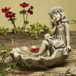 Steinfigur Vogeltränke Blumenmädchen, aus Steinguss
