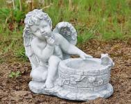 Steinfigur Engel am Brunnen, bepflanzbar, Skulptur aus Steinguss