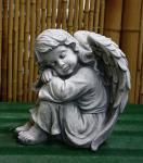 Steinfigur Engel, sitzend, Putte, Cherub