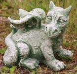 Steingiguren Drache sitzend, Fantasyfigur aus Steinguss Drachen Lindwurm