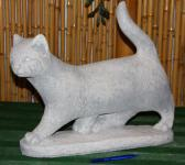 Steinfigur Katze, stehend, Tierfigur aus Steinguss Kater Katzen Stubentiger