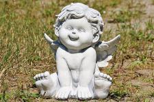 Steinfigur Engel aus Steinguss