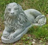 Steinfiguren Löwen Set, zwei liegende Löwen, Tierfiguren aus Steinguss