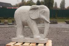 Steinfigur Elefant aus grauem Granit, handarbeit, Tierfigur für den Garten