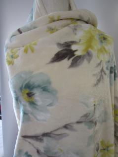 Kuscheldecke Hyper floral gemustert 160x210 in den Farben wollweiss-türkis-gelb-grau Clayre