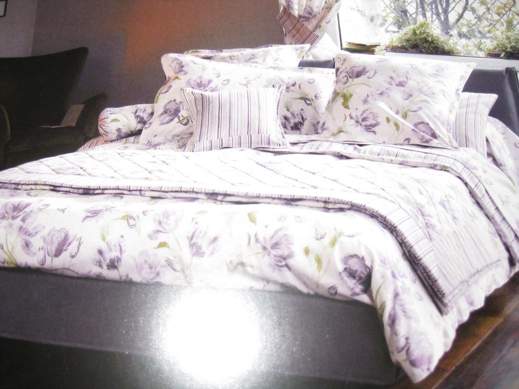 bettw sche laura ashley lakterton v8 mako satin garnitur amethyst kaufen bei betten krebs. Black Bedroom Furniture Sets. Home Design Ideas