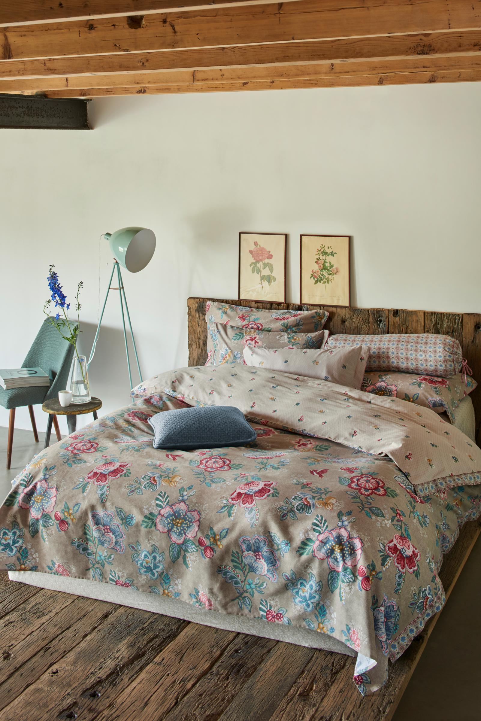 bettw sche 155x220 80x80 cm von pip studio berry bird farbe khaki kaufen bei betten krebs. Black Bedroom Furniture Sets. Home Design Ideas