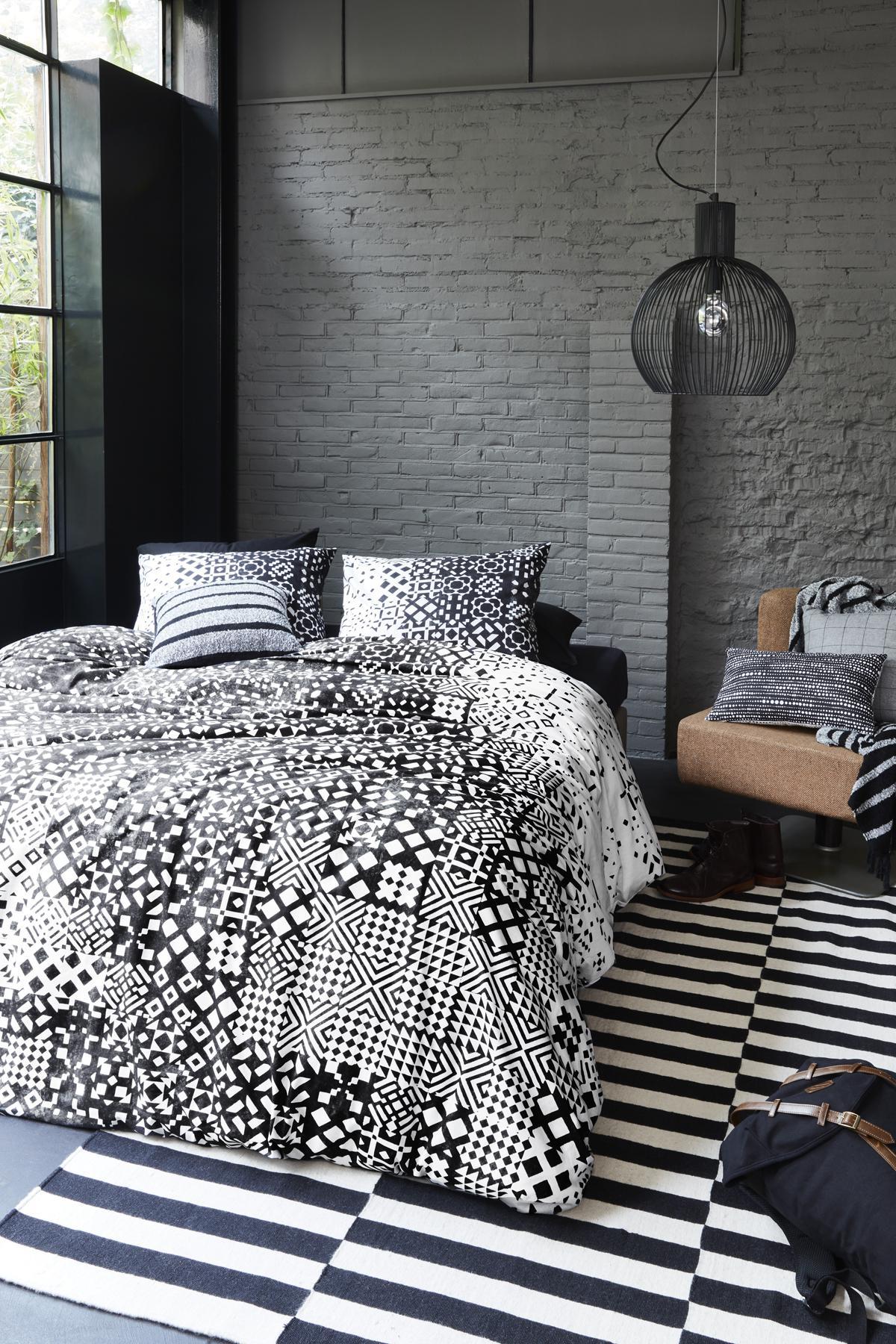 baumwoll bettw sche 155x220 schwarz wei beddinghouse 100 baumwolle kaufen bei betten krebs. Black Bedroom Furniture Sets. Home Design Ideas