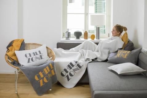 """Wohn- und Kuscheldecke Savona """" Chill zone"""" 150x200 in der Farbe Grau/Curry von David Fussenegger"""