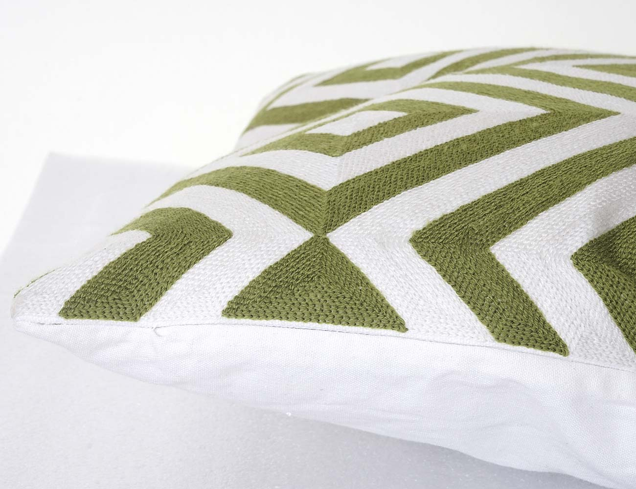 kissen deko sofakissen perfect kissenhlle x cm mundala brokat dekokissen sofakissen kissenbezug. Black Bedroom Furniture Sets. Home Design Ideas