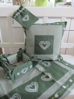 Textilserie Karo Grün Alpenstil Edelweiß Landhaus Varianten: Kissen, Decke, Brotkorb, Duftsäckchen