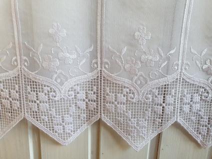 Scheibengardine Landhaus Weiß Blumenstick Häkelkante 22 cm oder 45 cm Hoch ab 1 Meter