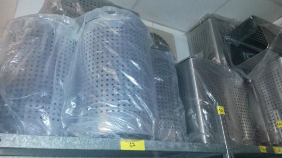 Wäschetonnen rostfreier Edelstahl mit Deckel 17 Stück verschiedene Größen 1B-Ware