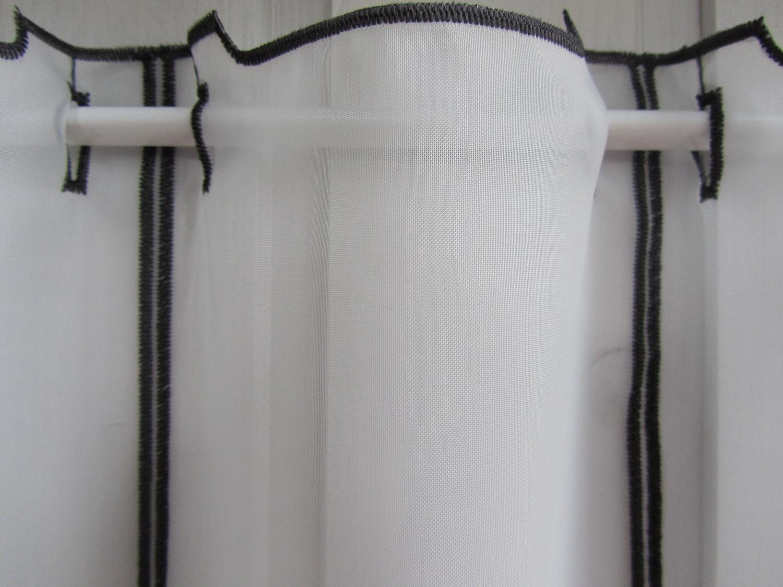 scheibengardine katzen wei grau 45 cm hoch ab 1 meter kaufen bei frank williges bodenbel ge. Black Bedroom Furniture Sets. Home Design Ideas