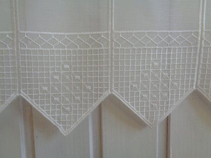 Scheibengardine Creme hochwertig bestickt Zacken 45 cm oder 60 cm Hoch ab 1 Meter