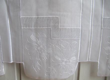 Scheibengardine Weiß Blumen Stick 45 oder 60 cm Höhe