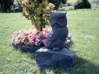 Gartenfigur Eule aus Graphikstein - Vorschau 2