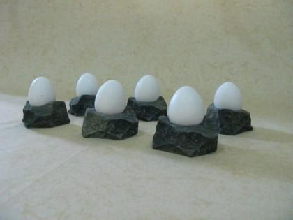 Eierbecher in Bruchsteinoptik / Klettergriffe