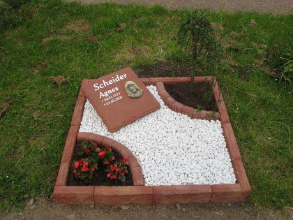 Grabeinfassung Urnengrab komplett 100 x 100 cm - Vorschau 1
