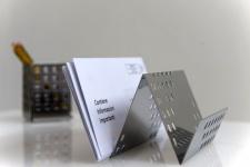 Graepel G-Line Pro Quadrotto Zettelhalter aus poliertem Edelstahl 1.4016