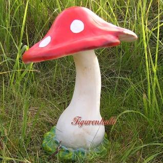 Deko Fligenpilz als große Figur und Dekoration im Pilz bereich