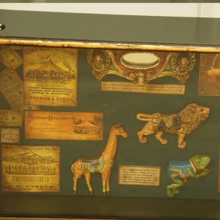 Karussell Vitrine Schaukasten Nostalgie Antik Dekoration Deko - Vorschau 3