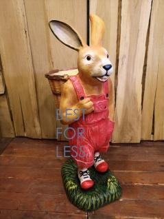 Osterhase roter Hose Ostern Deko-Figur Gartenfigur Statue