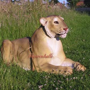 Liegender Löwe als Deko- oder Werbefigur