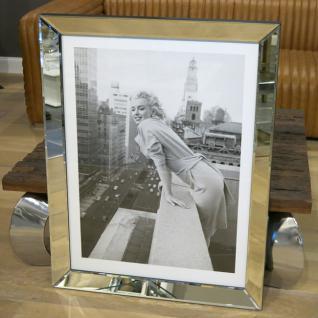 Marilyn Monroe at the Embassy Wandbild Spiegelrahmen Fotografie