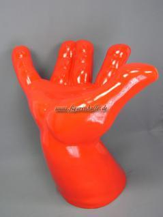 Hand als Stuhl oder Hocker zur Wohnung Dekoration
