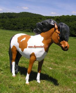 Pferd Pony Westernpferd Figur Statue Skulptur