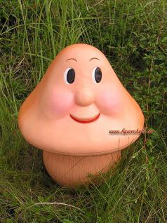 Lustiger Pilz als Gartenfigur und Deko Figur
