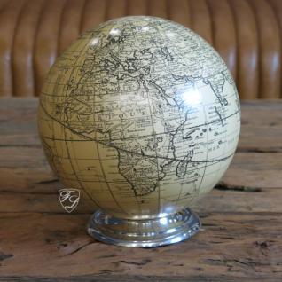 Globus auf Aluminiumteller