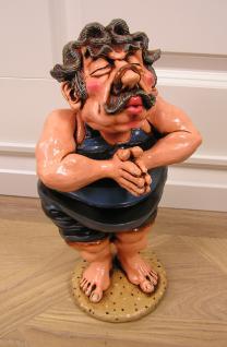 Mann in Badehose als Schimmer Figur und Statue Deko Dekoration Pool