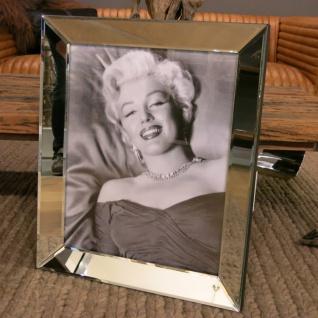 Liegend im Bett Marilyn Monroe Wandbild Kunstdruck int Rahmen Deko