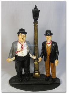 Dick und Doof an Laterne - Figur Stan und Ollie