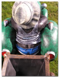 Maulwurf auf Trecker Traktor Gartenfigur Figur - Vorschau 2